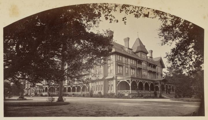 17 CEW, Hotel Del Monte, Monterey County, ca. 1882-85, JPGM.jpg