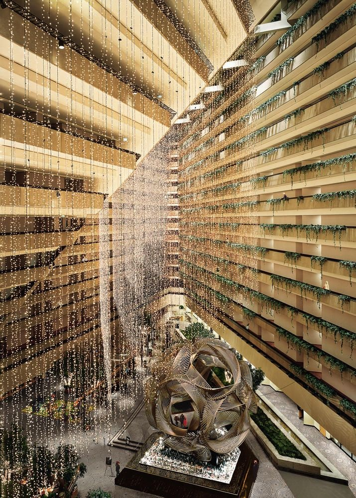 5 Andreas Gursky, San Francisco, 1998, Milwaukee Art Museum