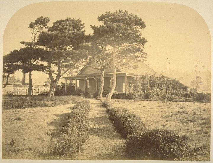 7 CEW, REsidence of Mr. Freundt, Mendocino, 1863, BANC